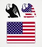 Amerikanischer Adler und Markierungsfahne Lizenzfreies Stockfoto