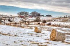 Amerikanischer Bauernhof Mittelwestens im Winter Stockfotos