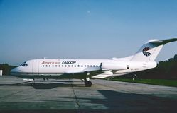 Amerikanischer Falke Fokker F28-1000 bereit zu einem anderen Flug 1993 Lizenzfreies Stockfoto