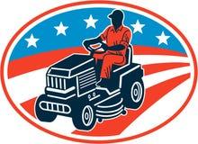 Amerikanischer Gärtner Mowing Lawn Mower Retro- Lizenzfreie Stockfotos