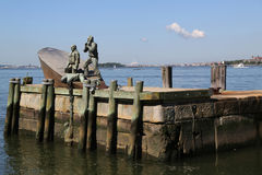 Amerikanischer Kaufmann Marines Memorial im Lower Manhattan Lizenzfreies Stockbild