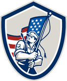 Amerikanischer Soldat-Waving Stars Stripes-Flaggen-Schild Stockbilder