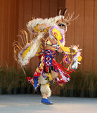Amerikanischer Ureinwohner, der 3 tanzt Lizenzfreie Stockfotos