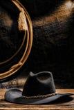 Amerikanischer Westrodeo-Cowboyhut und Lasso Stockfotografie