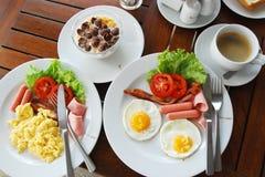 Amerikanisches Frühstück im Erholungsort Lizenzfreie Stockfotografie