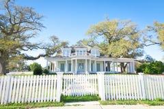 Amerikanisches Haus: Südlich-Art Villa Lizenzfreie Stockfotos