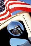 Amerikanisches rotes Weiß und klassischer PU fünfziger Jahre der blauer Sumpf-Schwertlilie-wellenartig bewegender Weinlese Lizenzfreie Stockfotos