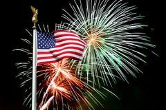 amerikansk bakgrundsfyrverkeriflagga Royaltyfri Bild