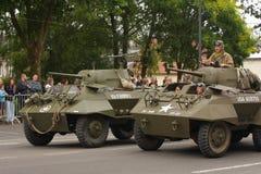 Amerikansk behållare av det andra världskriget som ståtar för den nationella dagen av 14 Juli, Frankrike Arkivfoton