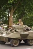 Amerikansk behållare av det andra världskriget som ståtar för den nationella dagen av 14 Juli, Frankrike Arkivbild