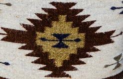 amerikansk färgrik infödd kudde Arkivbilder
