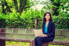 Amerikansk högskolestudent för östlig indier som studerar i New York royaltyfri fotografi