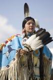 amerikansk infödd ståendekvinna Fotografering för Bildbyråer