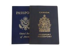 amerikansk kanadensisk passsida Royaltyfri Bild