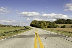 Amerikansk landsväg i sen eftermiddag Arkivbilder