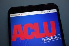 Amerikansk logo för medborgelig rättunion ACLU på smartphonen arkivbild