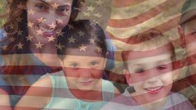 Amerikansk soldat som återförenas med hans familj lager videofilmer