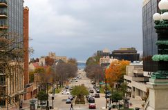 Amerikansk stadarkitektur och stadslivbakgrund Royaltyfri Foto