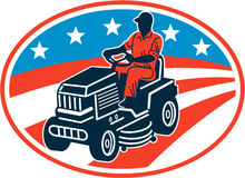 Amerikansk trädgårdsmästare Retro Mowing Lawn Mower Royaltyfria Foton