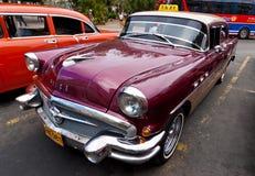 Amerikanska bilar för tappning i gammala Havana Fotografering för Bildbyråer