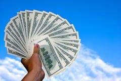 amerikanska dollar luftar hand hundra Royaltyfria Bilder
