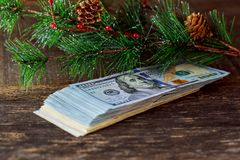 amerikanska dollar 5000 roubles för modell för bakgrundsbillspengar Royaltyfri Foto