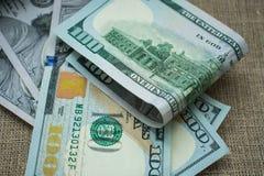 Amerikanska dollarpengar 100 arkivbild