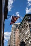 Amerikanska flaggan i New York Arkivbilder