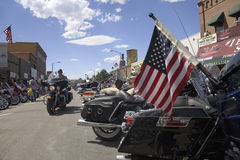 Amerikanska flaggan på baksidan av en motorcykel Royaltyfri Fotografi