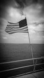 Amerikanska flaggan på ett skepp Royaltyfria Foton