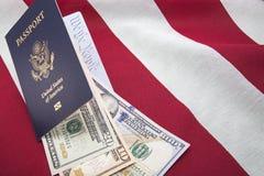Amerikanska flagganpengarvaluta oss folket Royaltyfria Foton