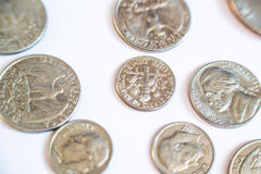 amerikanska mynt Några är gamla historiskt Arkivfoto