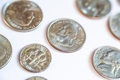 amerikanska mynt Några är gamla historiskt Arkivbilder