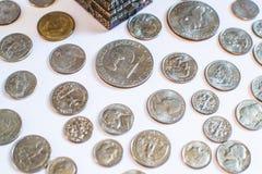 amerikanska mynt Några är gamla historiskt Arkivbild