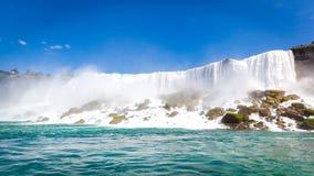 Amerikanska nedgångar Niagara Falls, Kanada arkivfoton