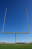 Amerikanska stolpar för fotbollfältmål Fotografering för Bildbyråer