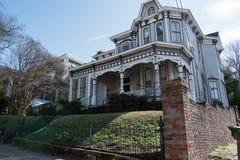 Amerikanskt hem för drottning Anne Style i Montgomery Royaltyfria Bilder