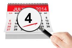 Amerikanskt självständighetsdagenbegrepp 4 Juli 2014 kalender med mag Royaltyfri Bild