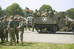 Amerikansoldater på Mitt--Atlanten luftar museumvärlden kriger Arkivfoto