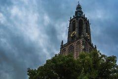 Amersfoort kyrka & x28; Onze Lieve Vrouwetoren & x29; Royaltyfri Bild