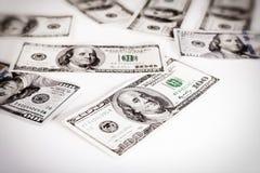 Amerykańscy dolarowi rachunki na białym tle, pieniądze na białym tle zdjęcia royalty free