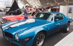 Amerykańscy samochody na pokazie przy Kołysać Parkowego wydarzenie w Mediolan, Włochy Obraz Stock