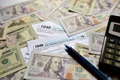 Amerykańska podatek forma 1040 na białym tle obrazy royalty free