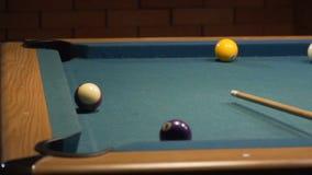 Amerykański basen strzału dziewięć piłka brakuje bilardową kieszeń 120fps zdjęcie wideo
