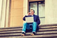 Amerykański mężczyzna podróżować, pracuje w Nowy Jork Fotografia Royalty Free
