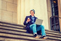 Amerykański mężczyzna podróżować, pracuje w Nowy Jork Obrazy Royalty Free
