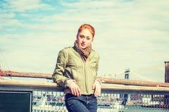 Amerykański student collegu podróżuje w Nowy Jork zdjęcia stock