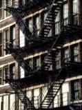 Amerykańskie pożarnicze ucieczki na starym budynku przy Chicago centrum - Sepiowy Jarzeniowy Artystyczny skutek Zdjęcie Stock