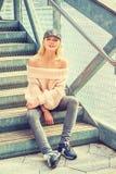 Amerykańskiej kobiety Przypadkowa wiosna, jesieni moda w Nowy Jork/ obrazy royalty free