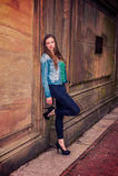 Amerykańskiej nastoletniej dziewczyny Myślący outside w Nowy Jork Zdjęcie Royalty Free